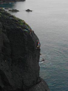 Boy this lad can climb.
